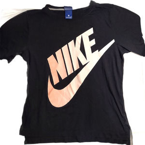 Women's Nike Authentic Tee Shirt Size Small